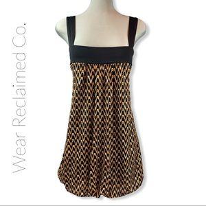 LE CHATEAU Black & Gold Bubble Hem Dress